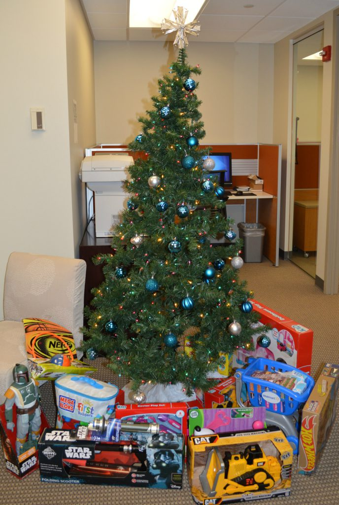 toys-for-tots-tree-cropped-2